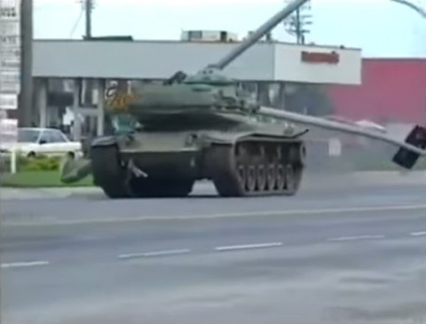 police-chase-tank02