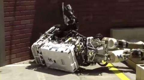 robot-fall02