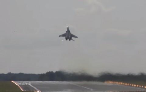 mig-29-vertical-takeoff02